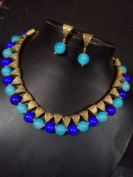 Elegant Colorful Loop Necklace set