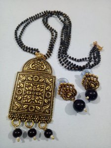 BeautiFul Golden Mangalsutra Set