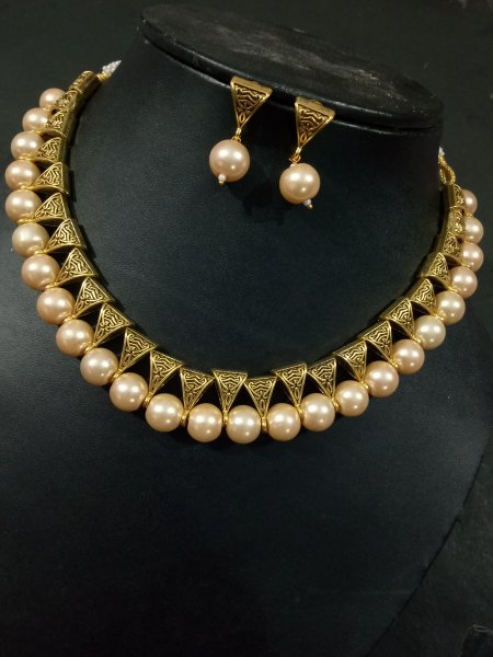 Fabulous Golden Loops Necklace Set
