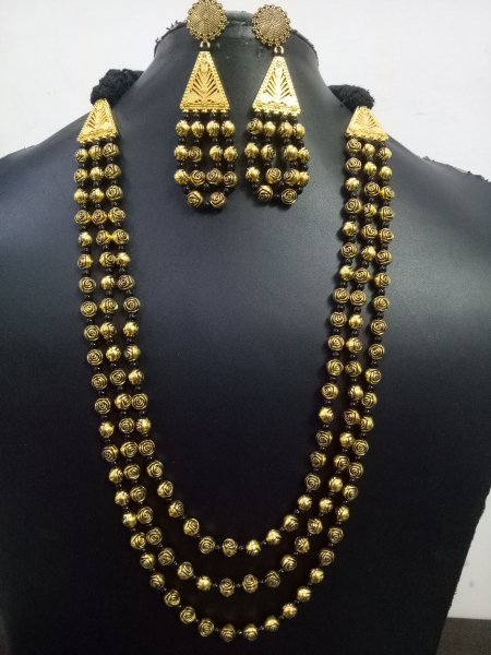 Golden Oxidised Triple Layer Mala Set