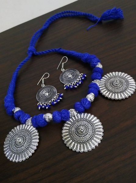 Glorious Thread Oxidised Necklace Set
