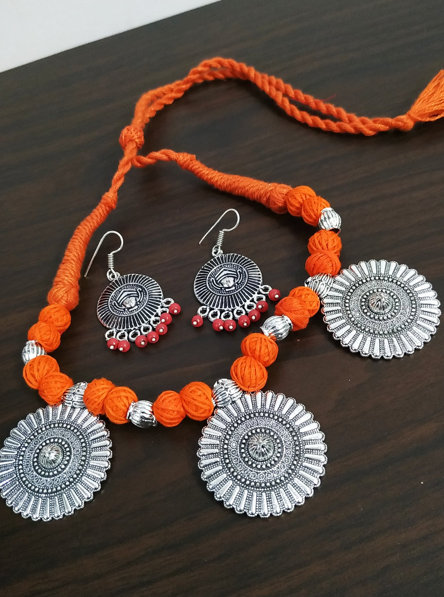 Attractive Thread Necklace Set