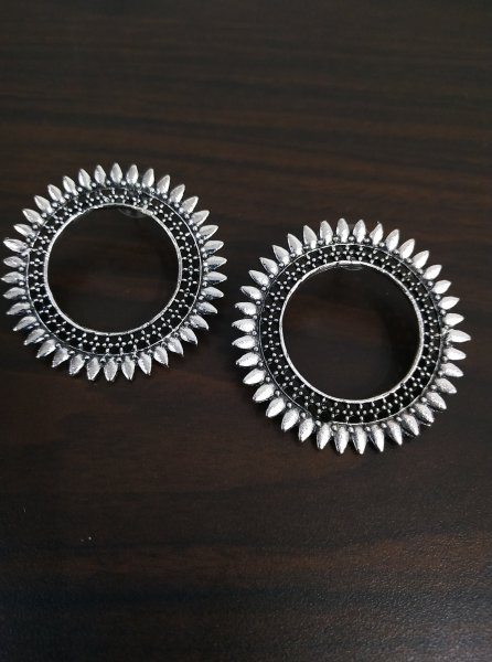 Awesome Oxidised Round Studds