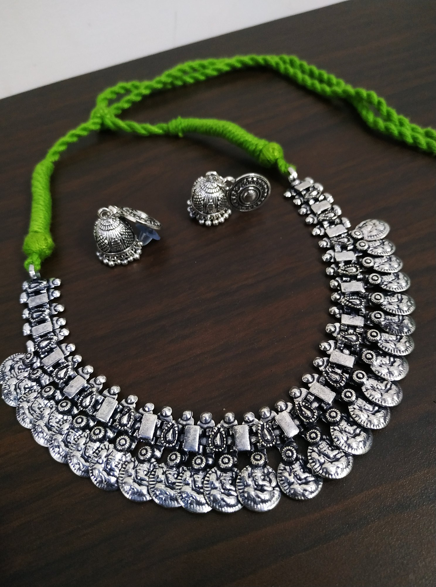 Gleaming Temple Thread Necklace Set