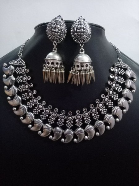 Fabulous Kolhapuri Temple Necklace Set