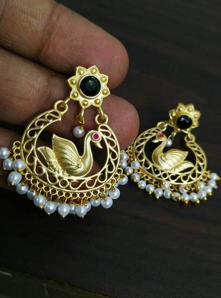 Charming Matt Golden Earrings
