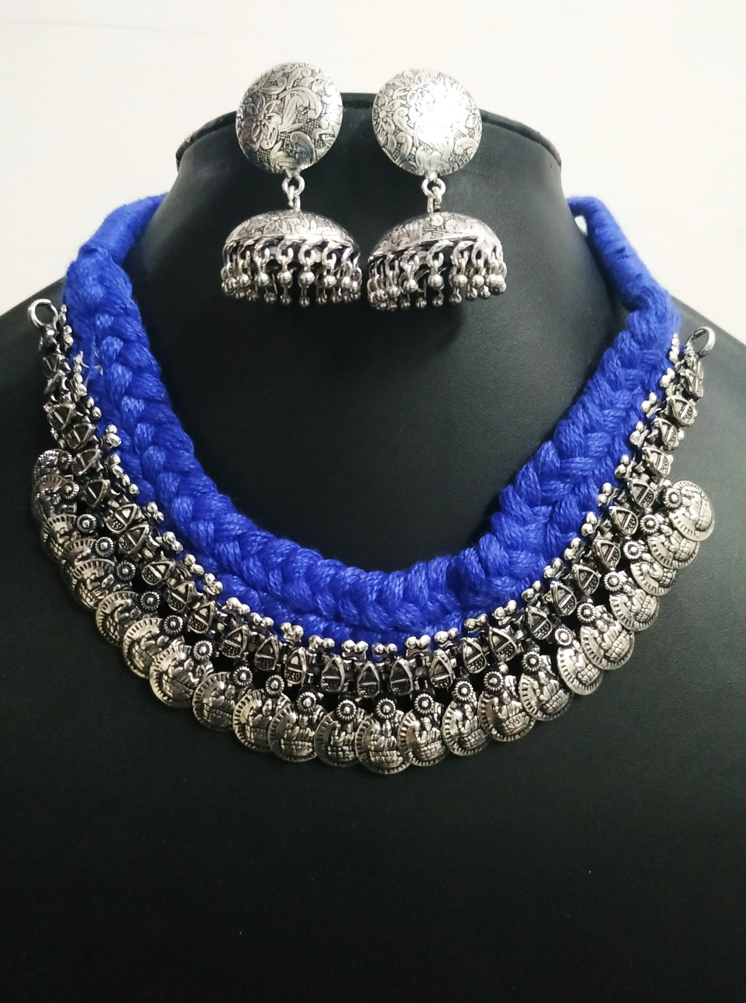 Beautiful Temple Choker Set