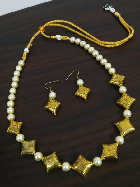 Trendy Antique Beaded Pearl Necklace Set