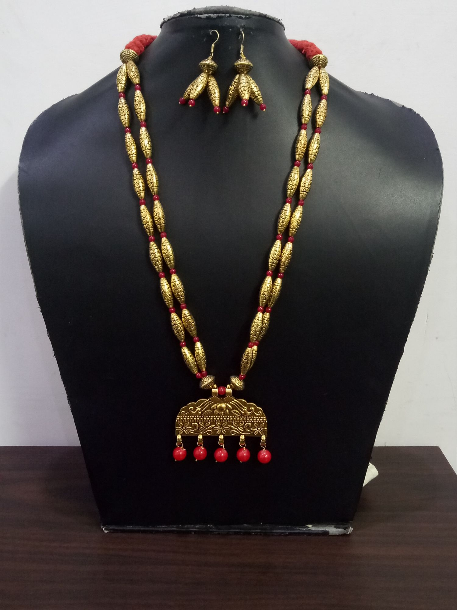 Elegant Golden Dholki Necklace Set