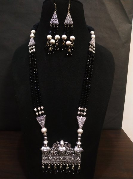 Beautiful Cut Stone Bahubali Designed Zircon Necklace Set