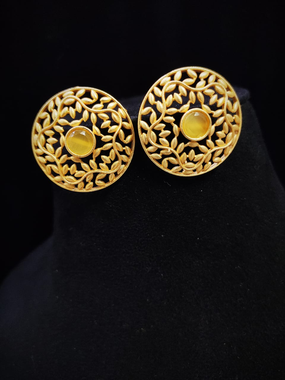 Attractive Matt Golden Stone Studd Earrings