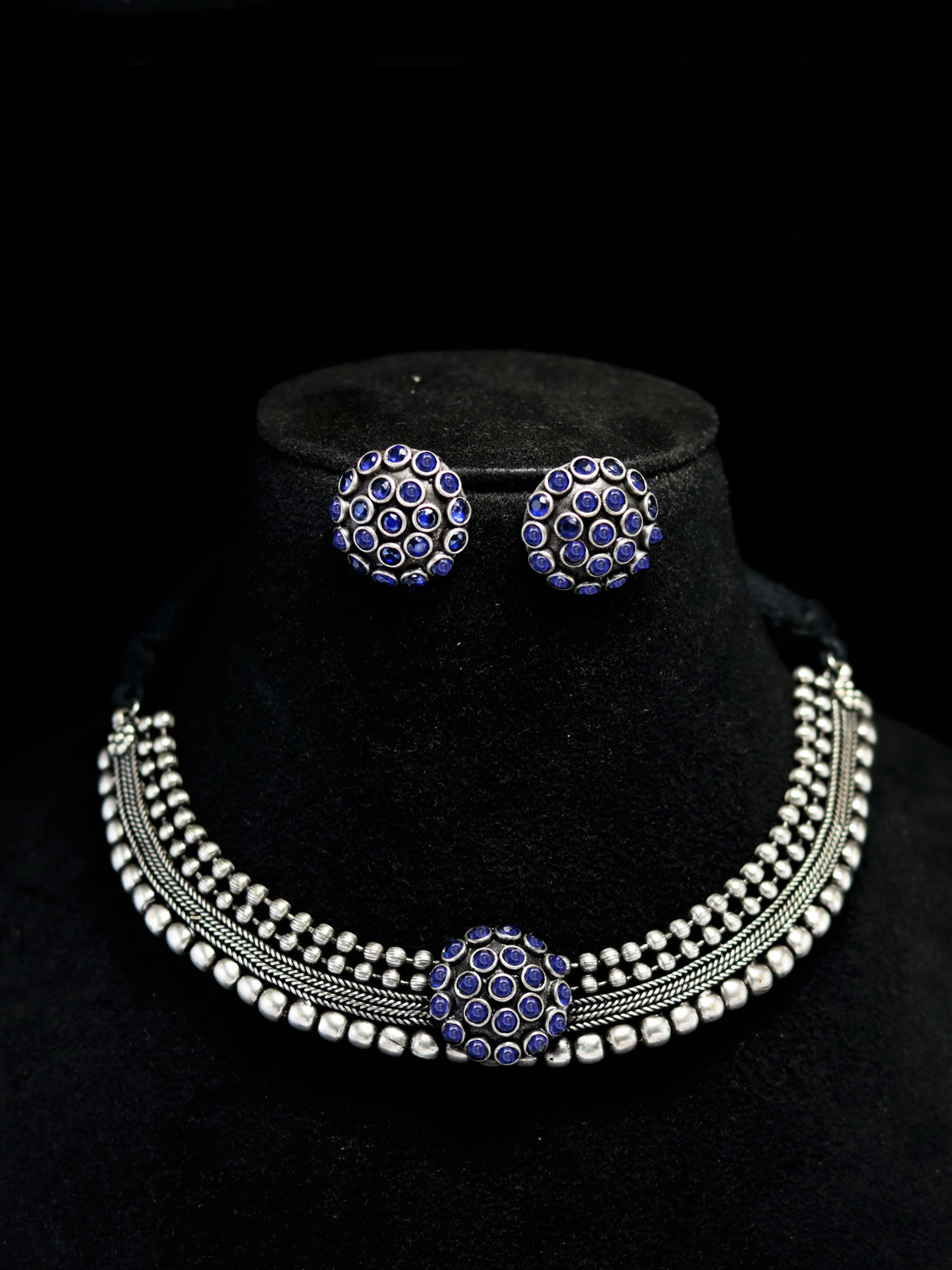 Fabulous Silver Lookalike Stone Choker Necklace Set