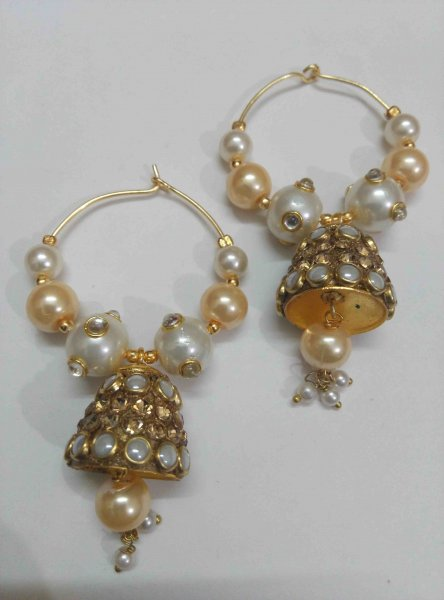 Glittering Kundan Earrings