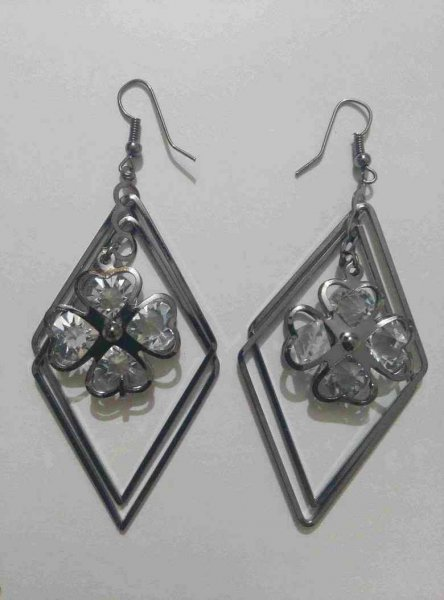 Attractive Metal dangles