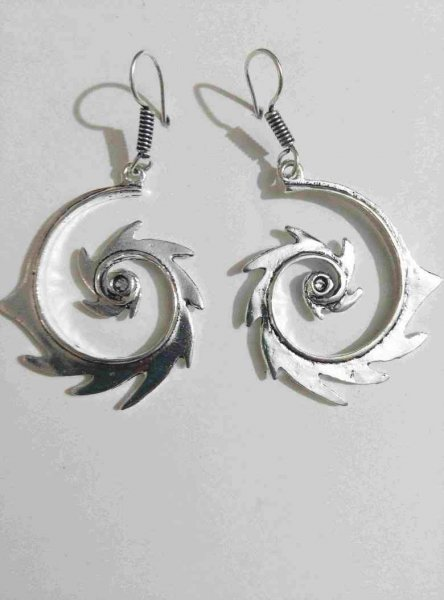 Classic Beautiful Spiral Silver Earring