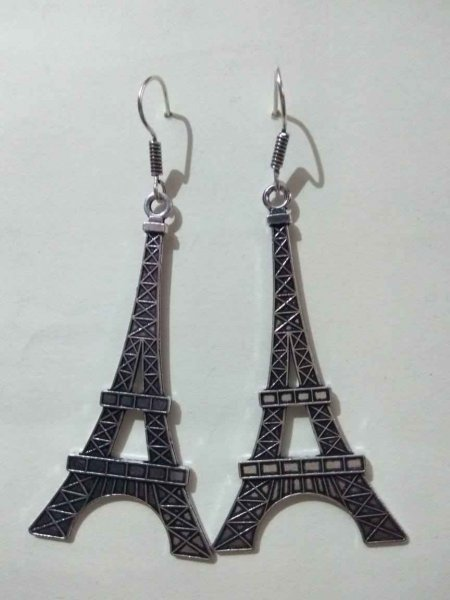 Antique Eiffel Tower Earring
