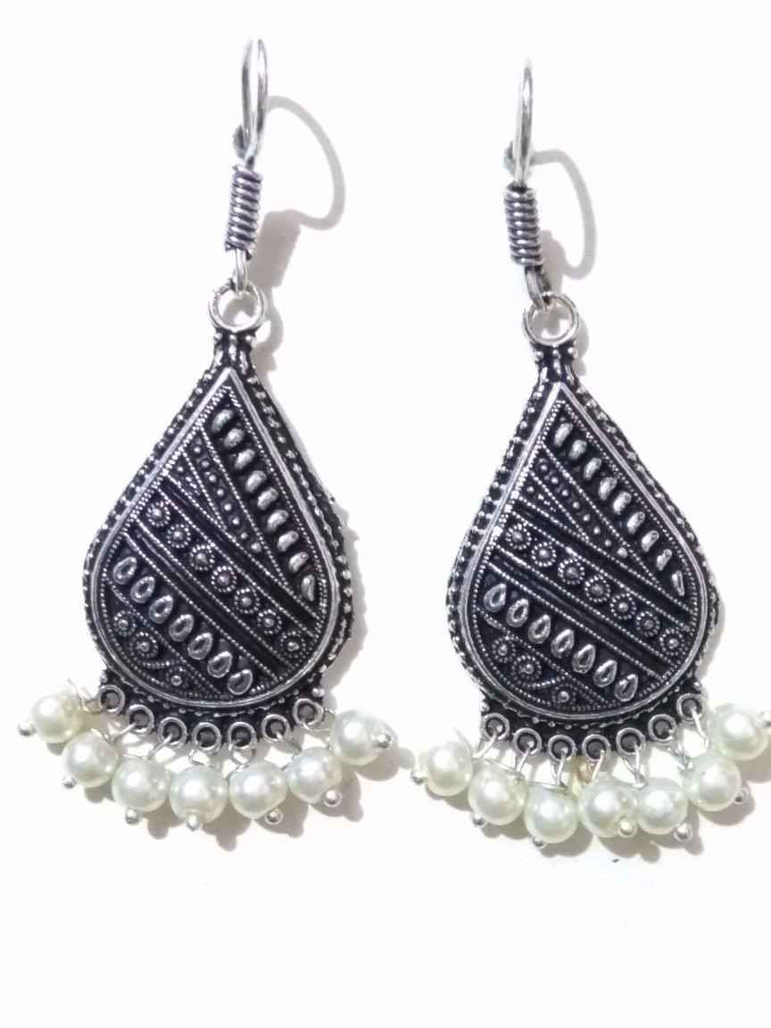 Catchy Beaded Oxidised Danglers