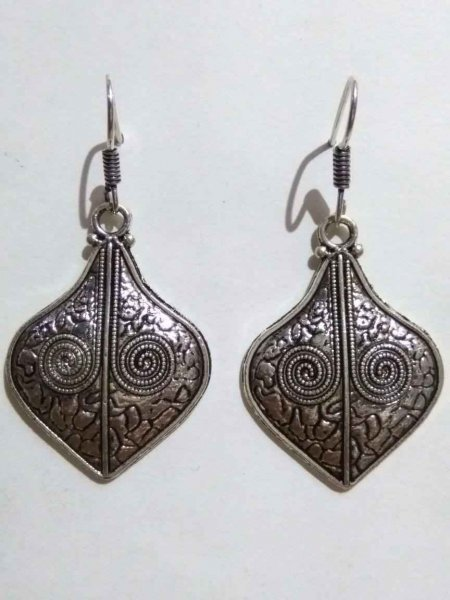 Trendy Oxidised Danglers