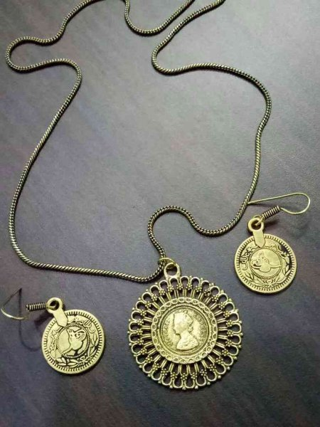 Coin Pendant set
