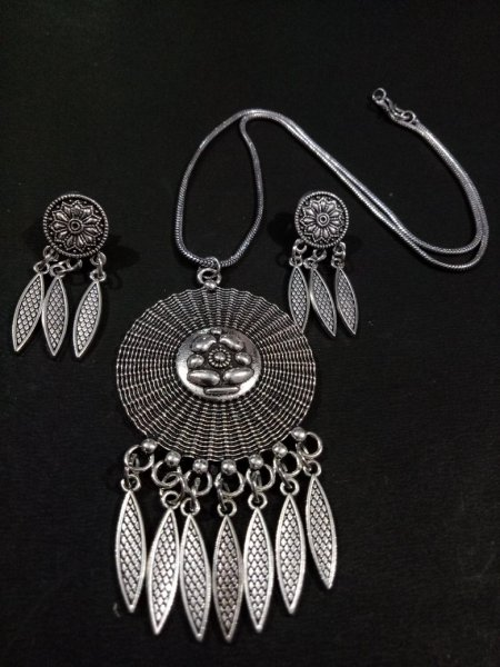 Trendy German Silver Pendent Set