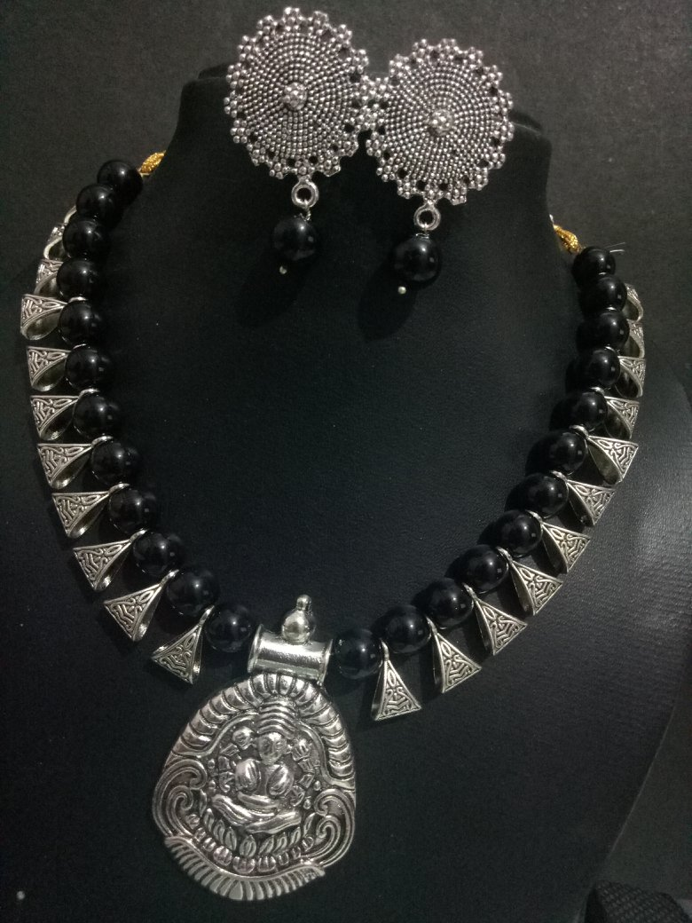 Gorgeous Temple Necklace Set
