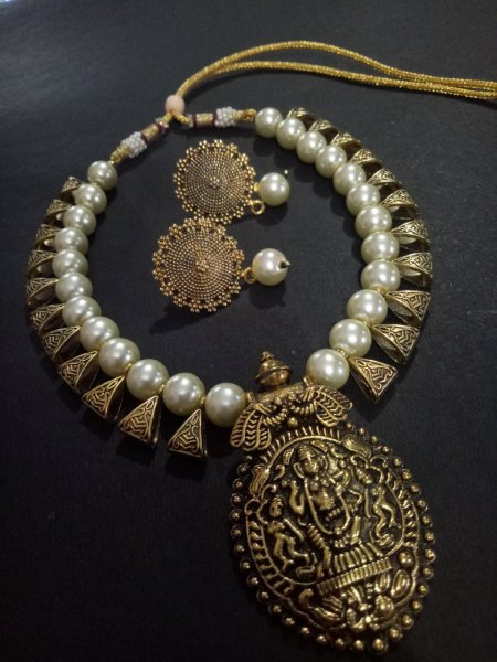 Lovely Golden Temple Necklace Set