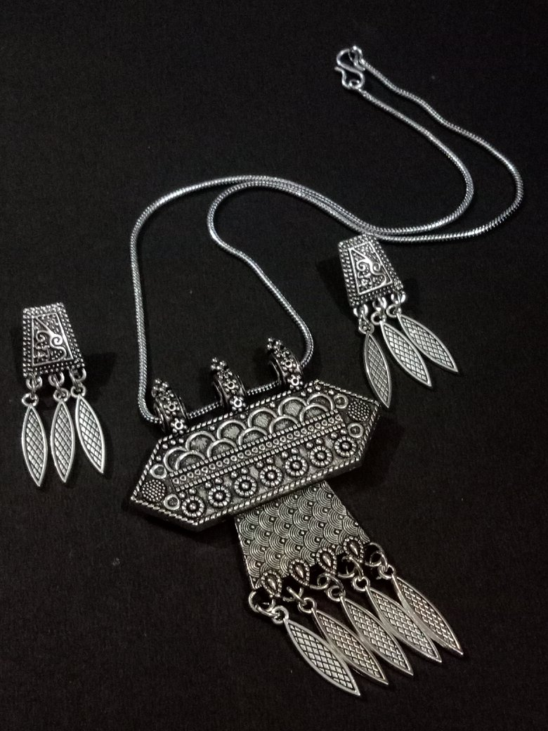 Partywear Oxidised Pendant Set