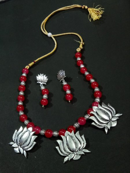 Lovely Lotus Partywear Necklace Set