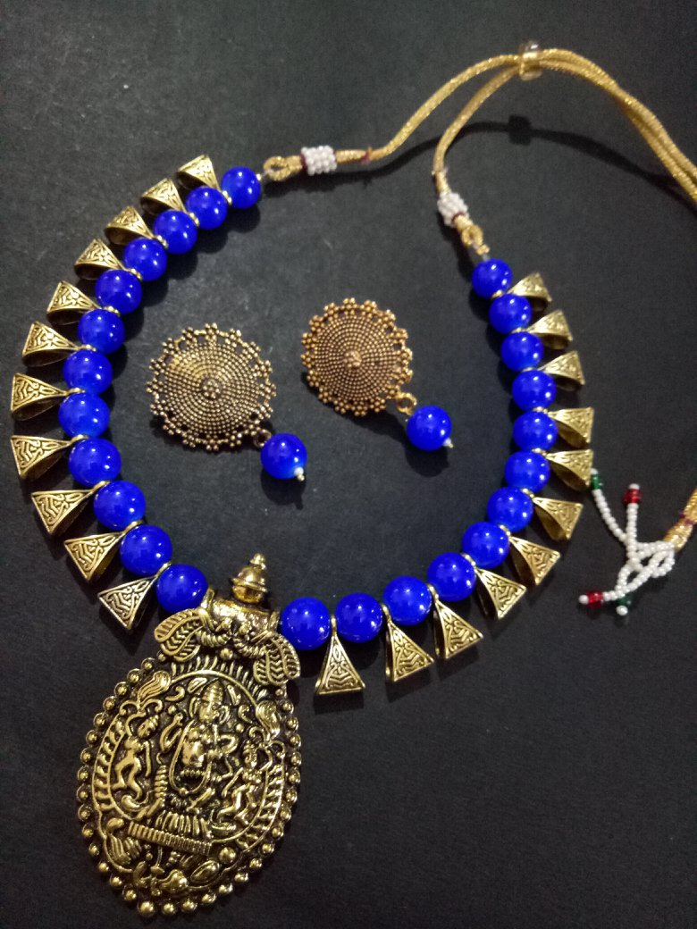 Delightful Golden Temple Necklace Set