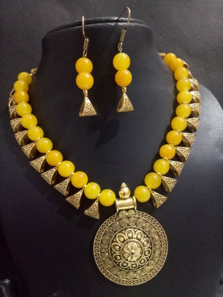 Classy Golden Necklace Set