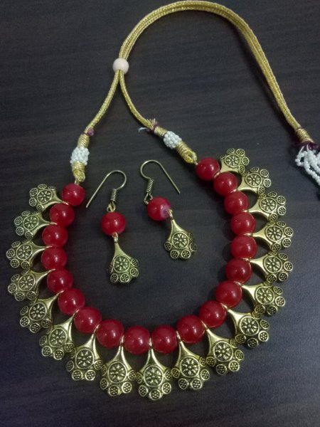 Stylish Beaded Necklace Set