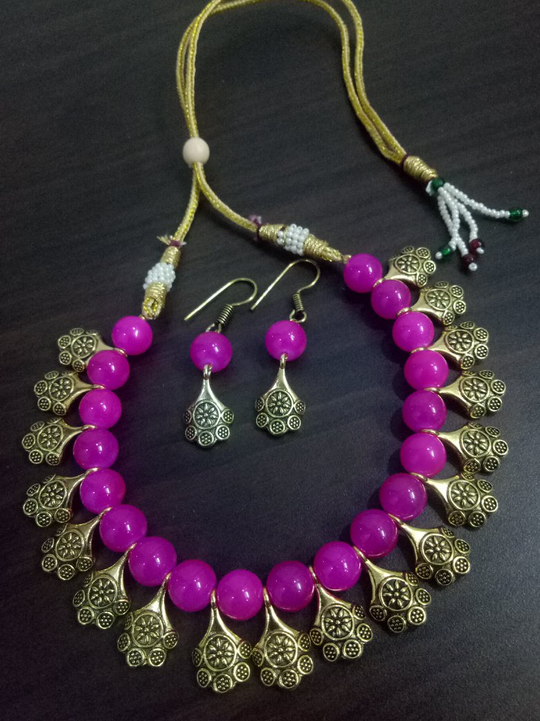 Classic Beaded Necklace Set