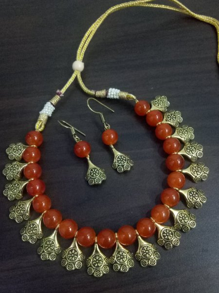Elegant Golden Beaded Necklace Set