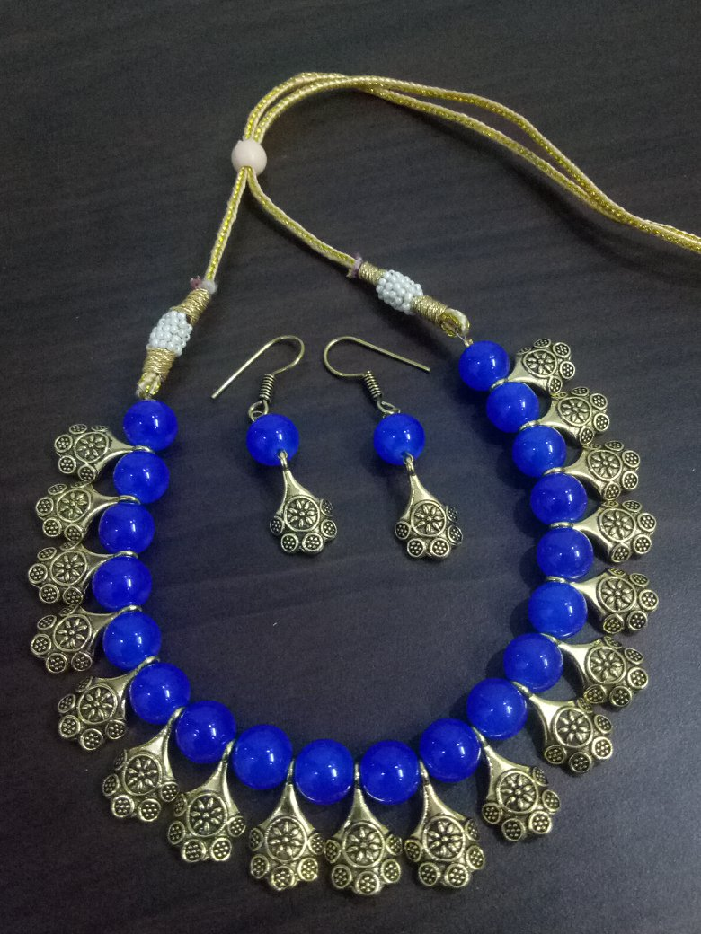 Delightful Glass Beaded Necklace Set