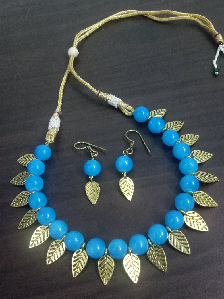 Attractive Leaf Beaded Necklace Set