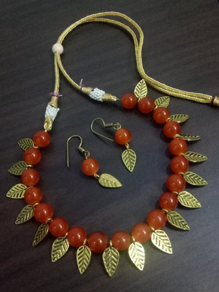 Pleasing Golden Leaf Necklace Set