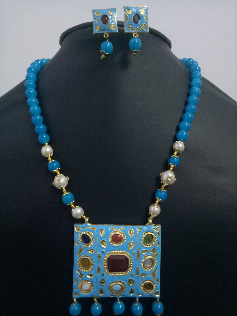 Gracious Rajwada Navratna Stone Necklace Set