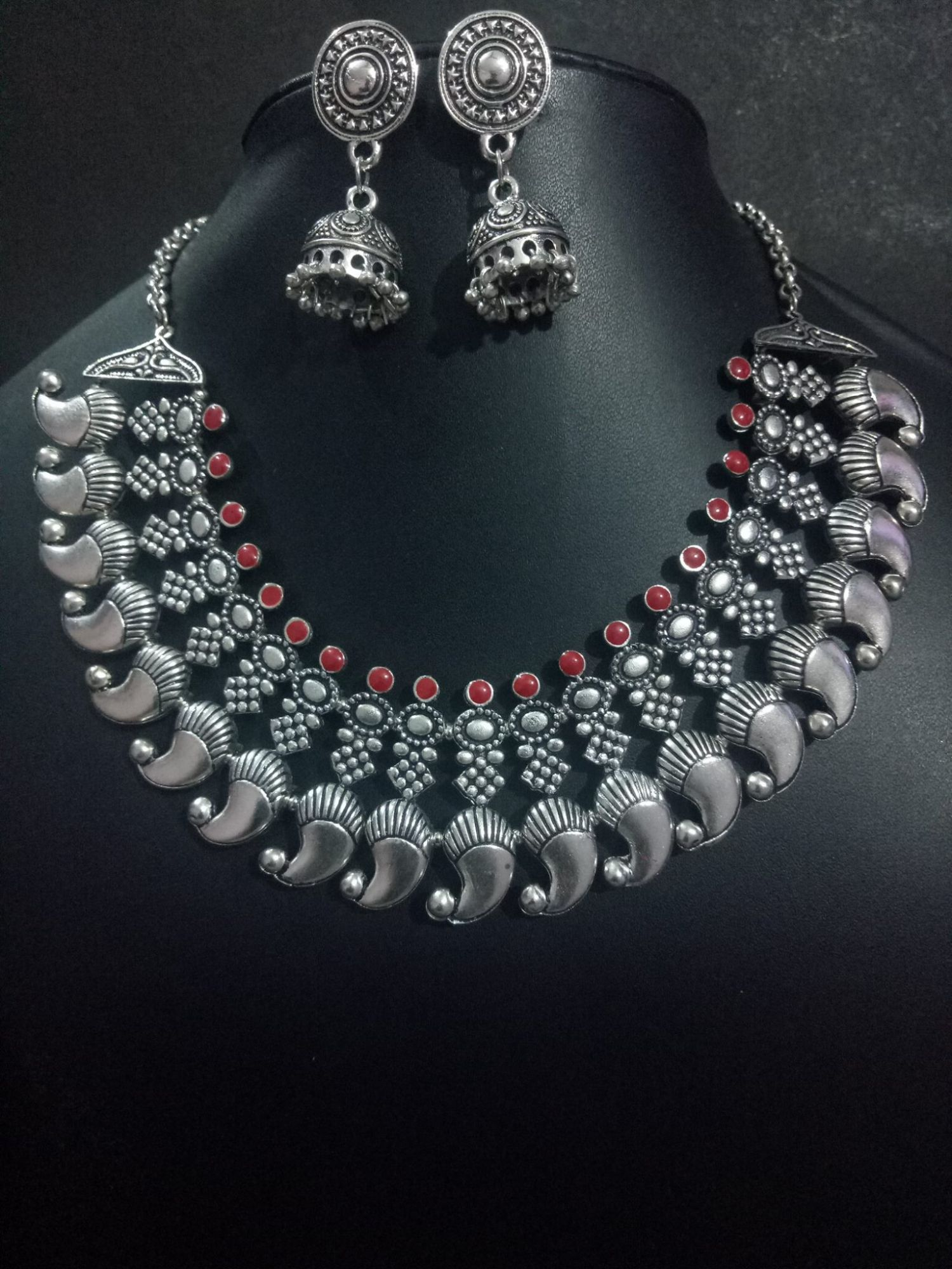 Beautiful Enameled Kolhapuri Necklace Set