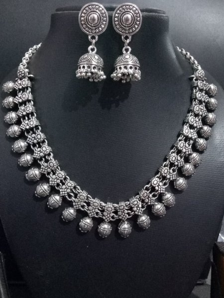 Handicrafted kolhapuri necklace set