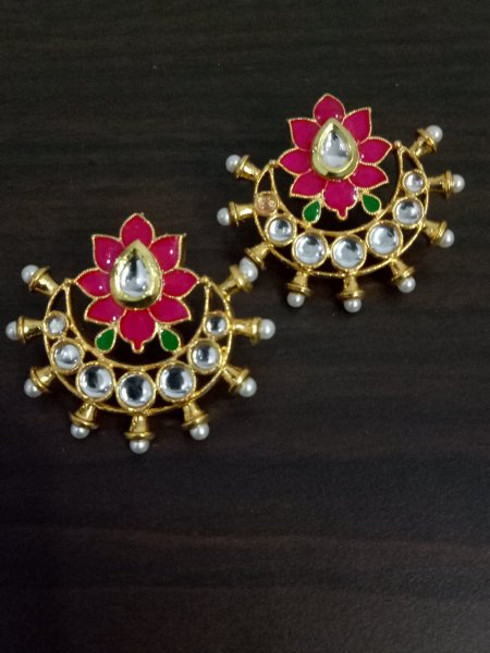 Beautiful Enamelled Kundan Bali
