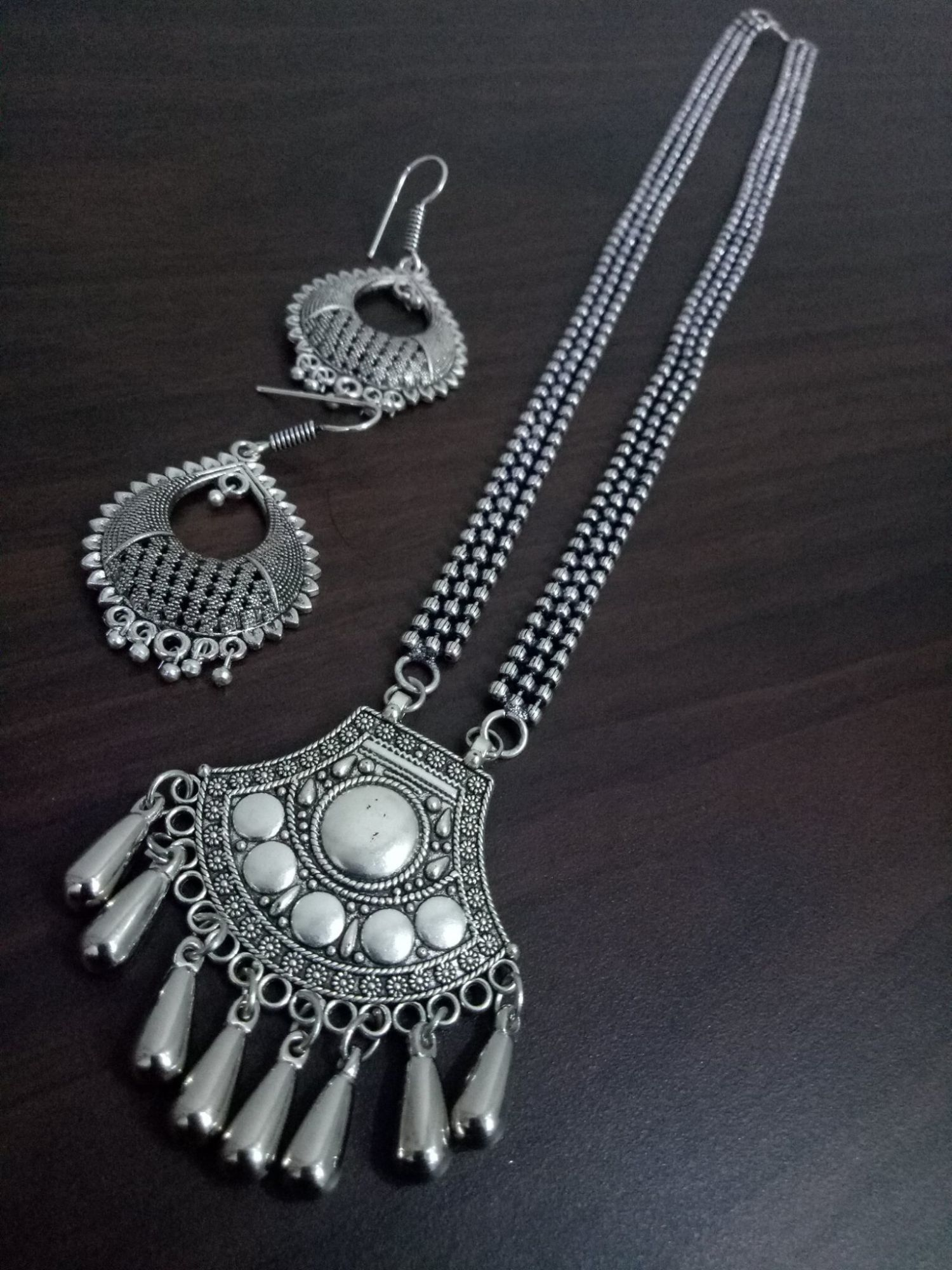 Appealing Oxidised Ball Chain Necklace Set