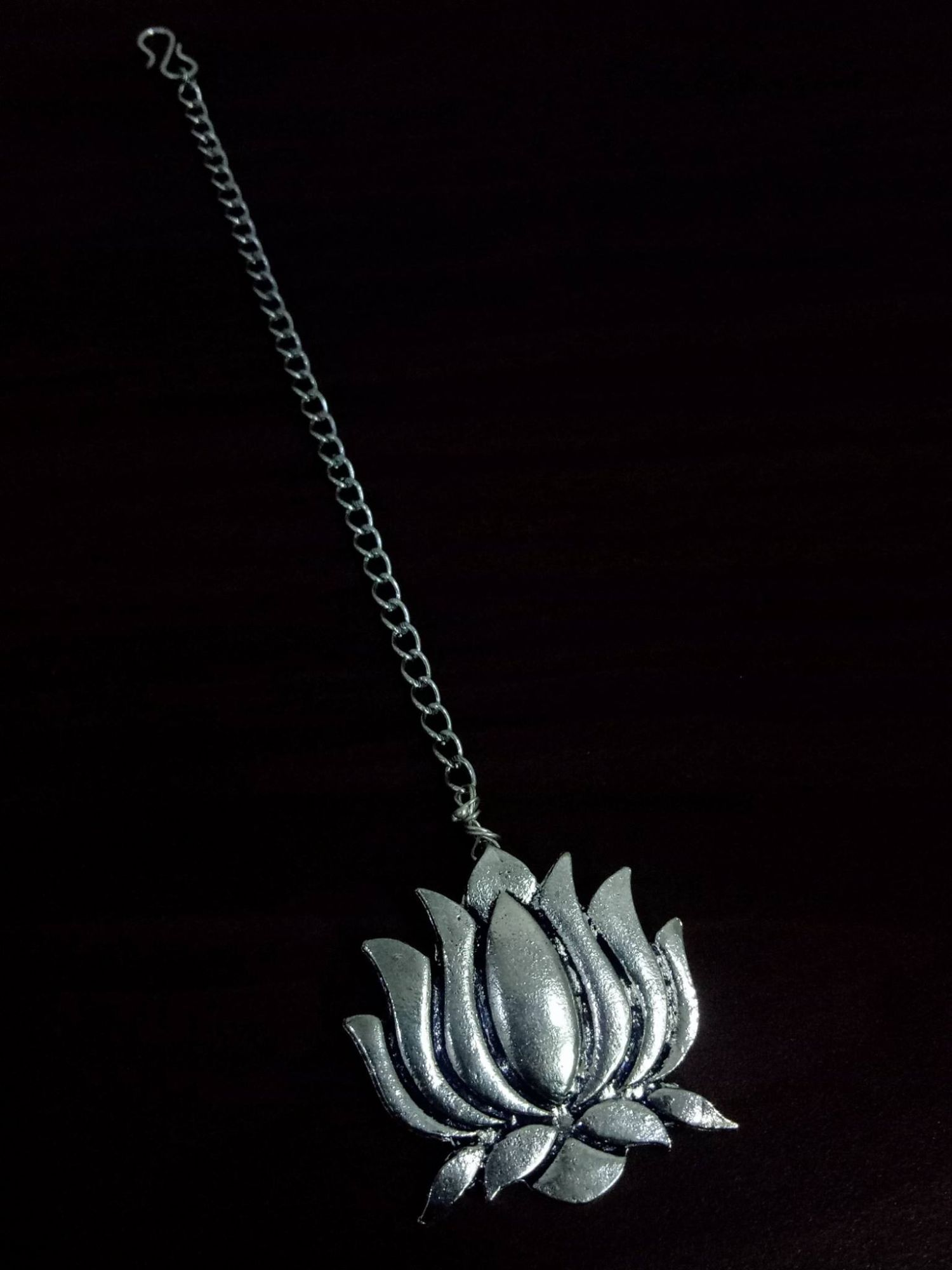 Pretty Oxidised Lotus Maangtikka