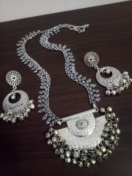 Exclusive Long Rajwada Necklace Set