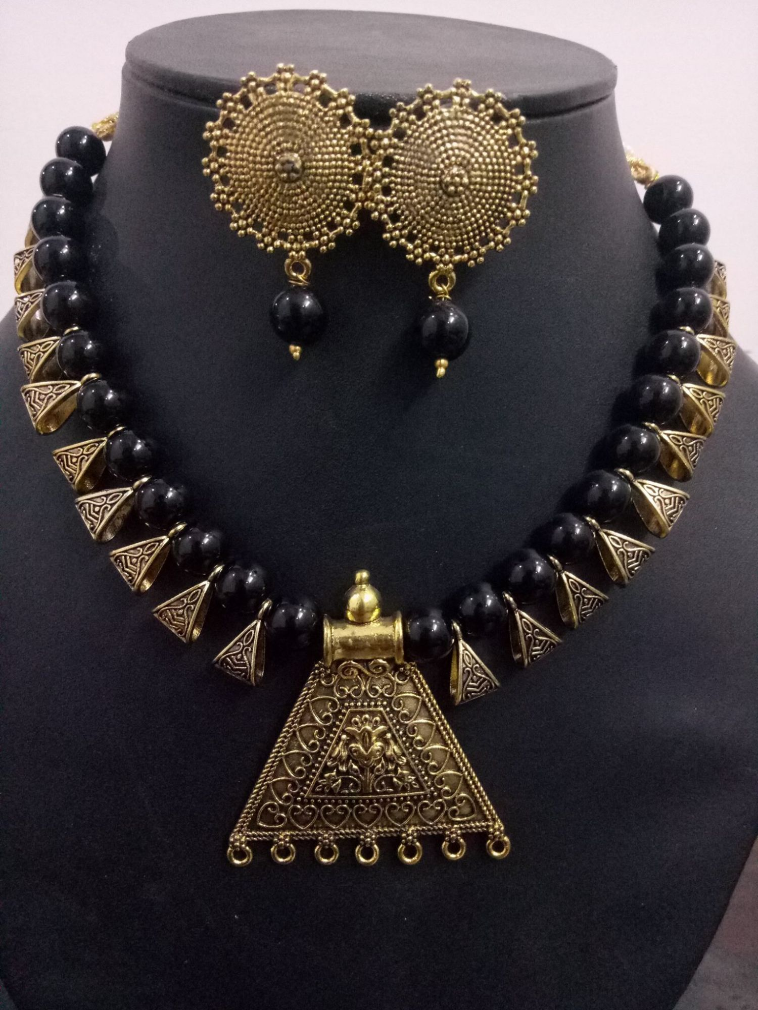 Attractive Loop Beaded Necklace Set