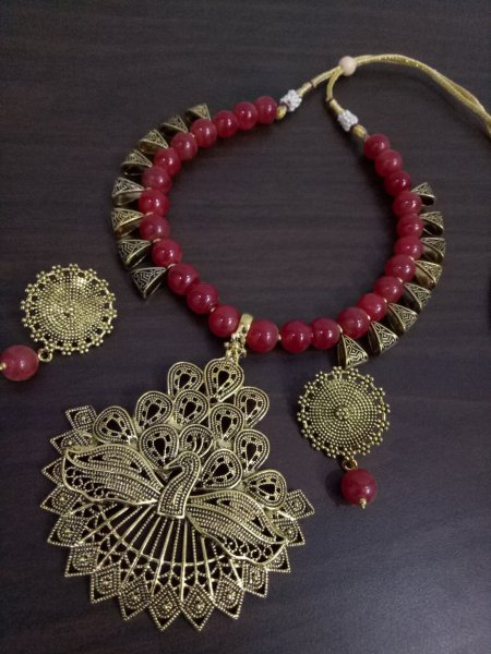 Stuning Peacock Loop Neckace Set