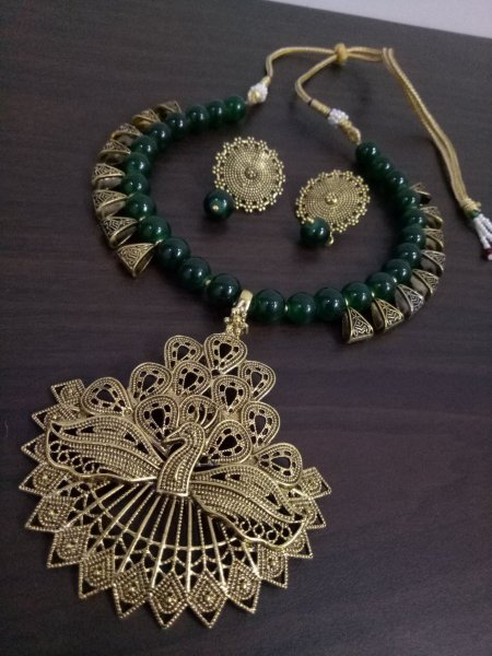 Pleasant Peacock Loop Necklace Set