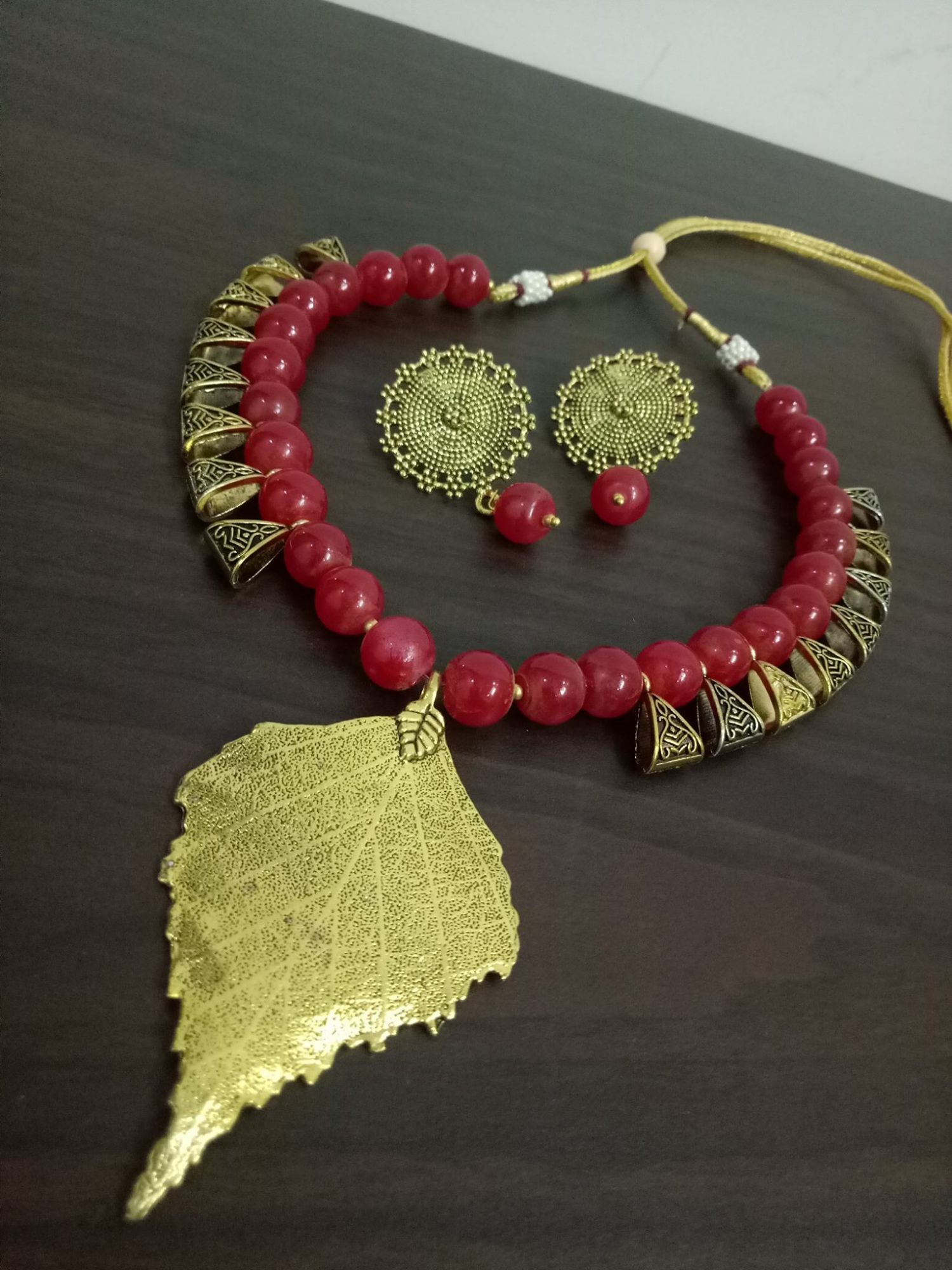 Lovable Leaf Loop Necklace Set