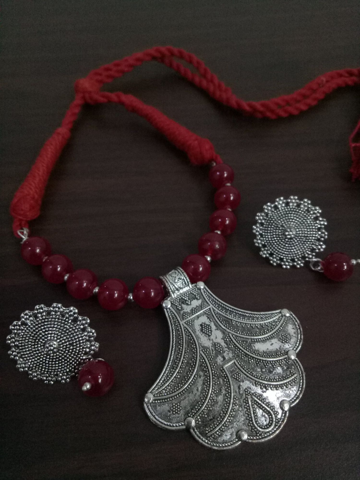 Glorious Beaded Thread Necklace Set