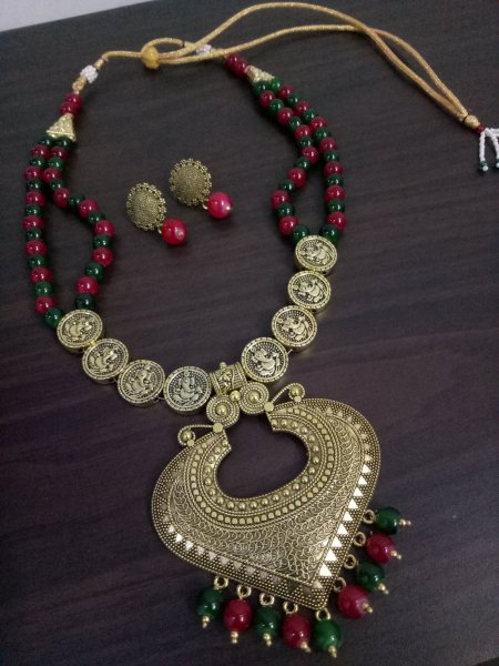 Elegant Long Golden Necklace Set