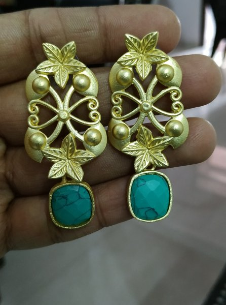 Lovely Jaipuri Rose Gold Studd Stone Earrings